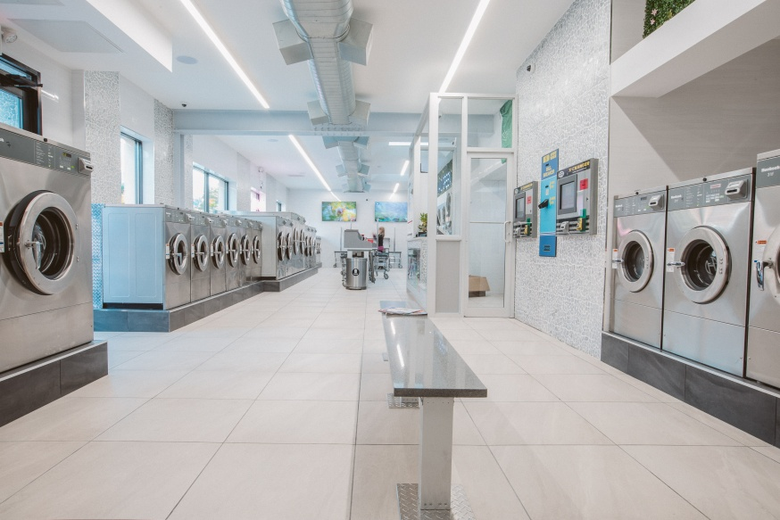 Laundromat with Modern Features and Focus on Water & Energy